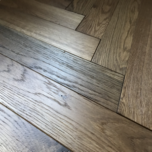 Bois De Vie Engineered Flooring, Pyrenees Oak Herringbone - 18/5mm x 90mm x 600mm, Smoked, B&L