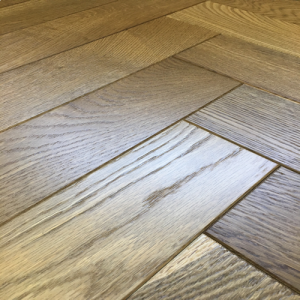Bois De Vie Engineered Flooring, Pyrenees Oak Herringbone (AB Grade), 18/5mm x 90mm x 400mm, B&L