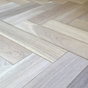 Bois Die Vie Engineered Flooring, Lucerne Oak Herringbone (AB Grade), 18/5mm x 90mm x 400mm, B&O