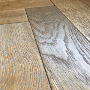 Bois De Vie Engineered Flooring, Como Oak Herringbone (AB Grade) - 18/5mm x 90mm x 400mm, B&L